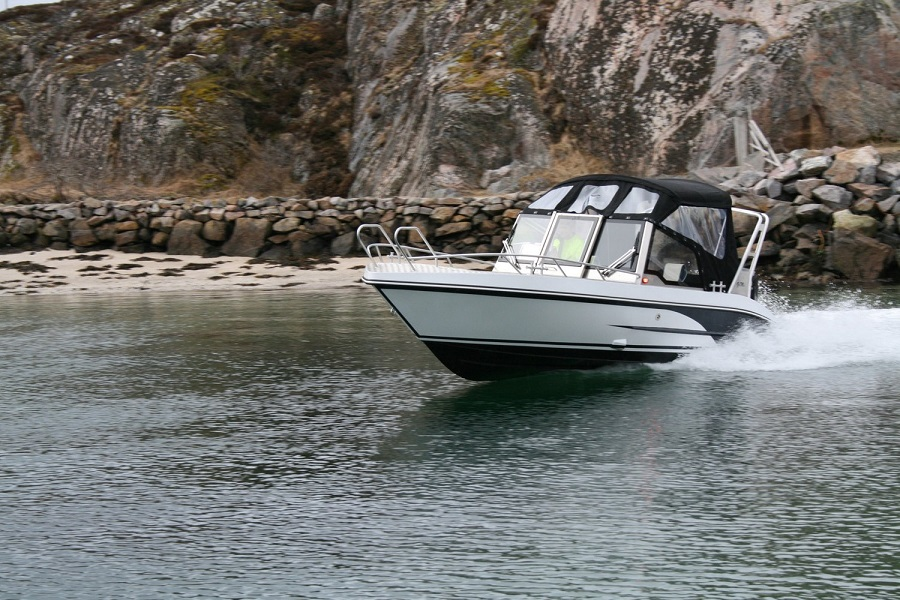 Model 630 BR – A versatile, durable all-weather Bowrider